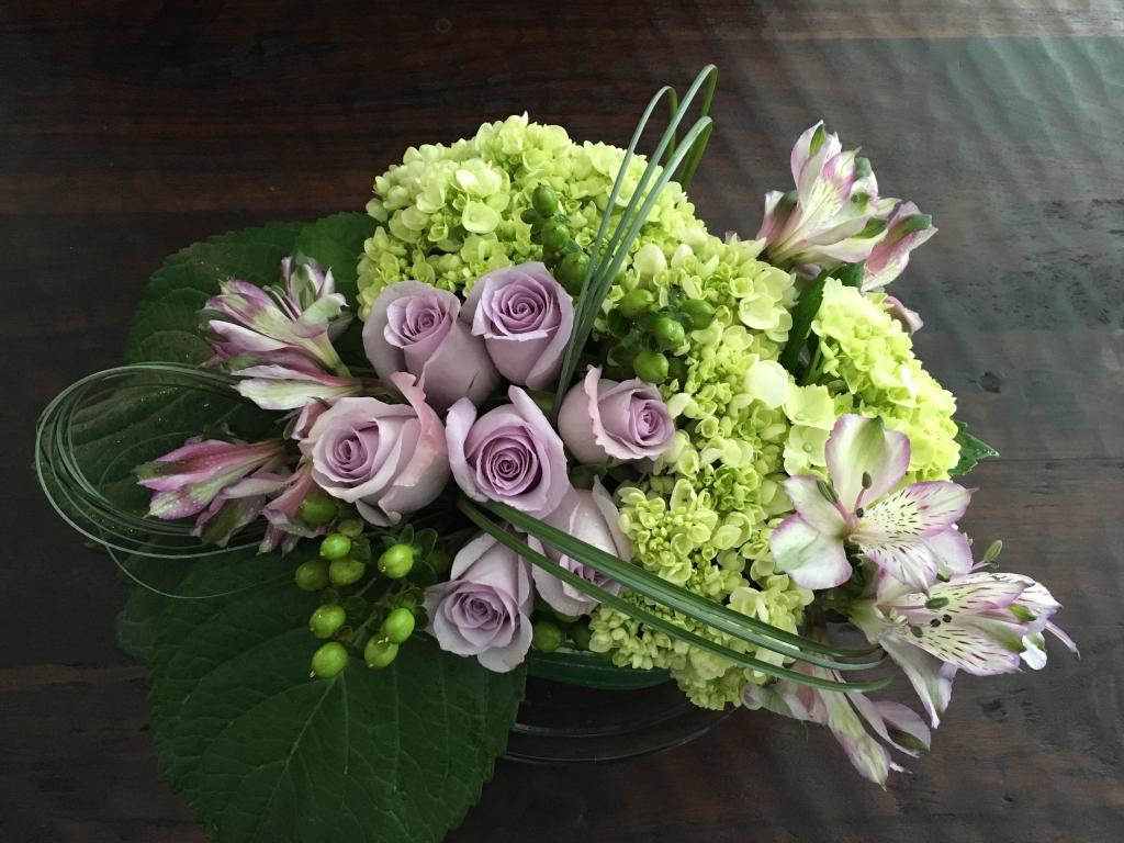 low arrangement flower design, modern, contemporary
