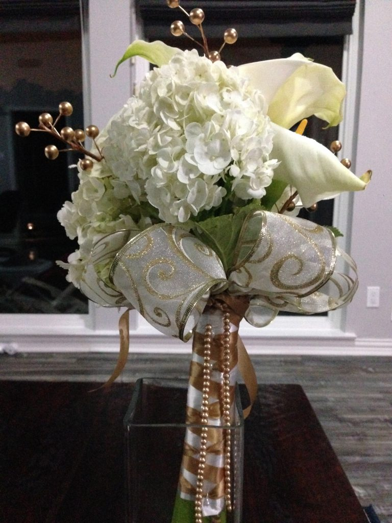 wht chic prom bouquet