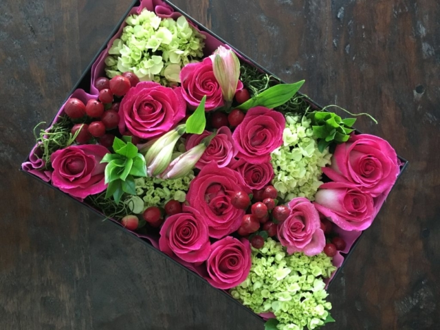 flowers in a box, roses, modern, contemporary