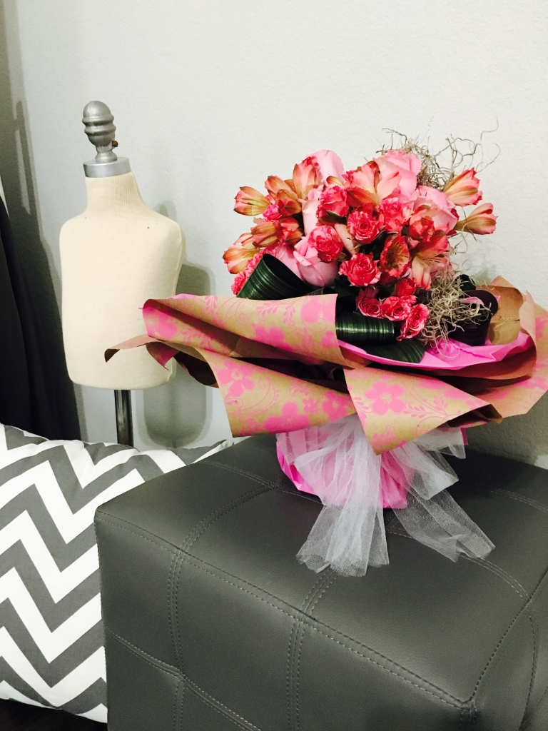 flower bouquet, hand-tied bouquet, modern, kraft paper