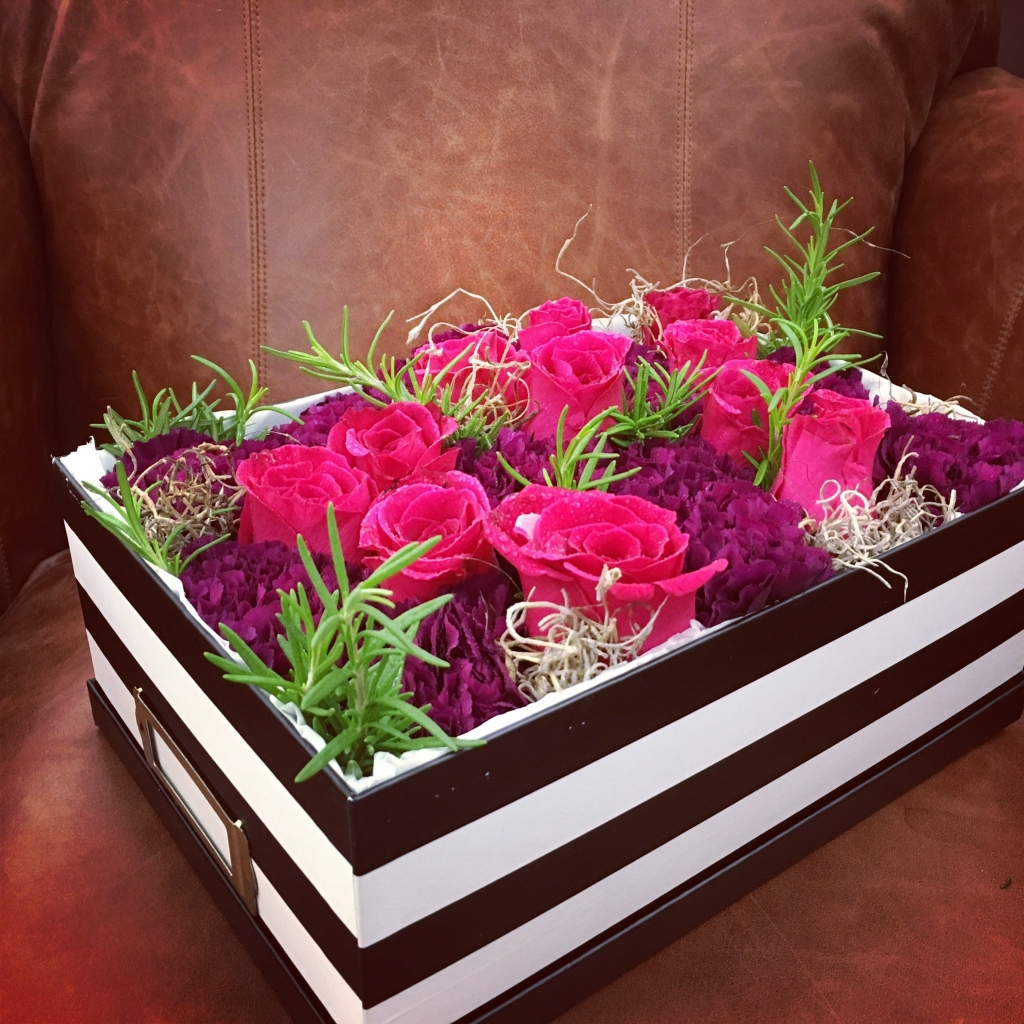 Vintage Chic Flowers in a Box