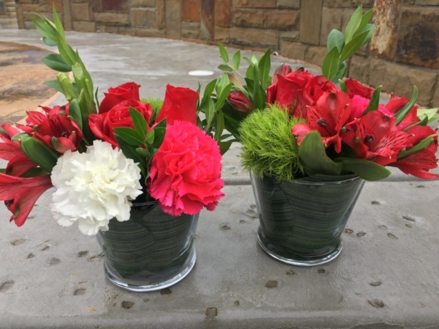 Holiday/Christmas Arrangement, mini flower, red