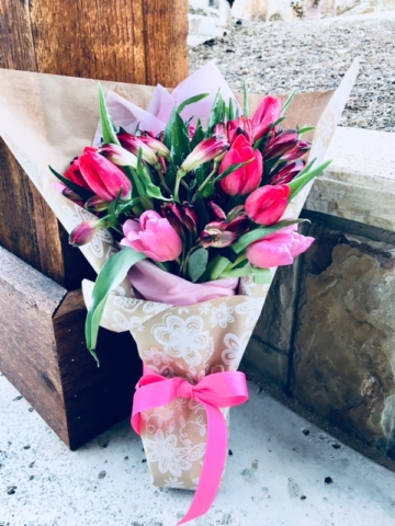 flower bouquet, hand-tied bouquet, modern, kraft paper, valentine's day