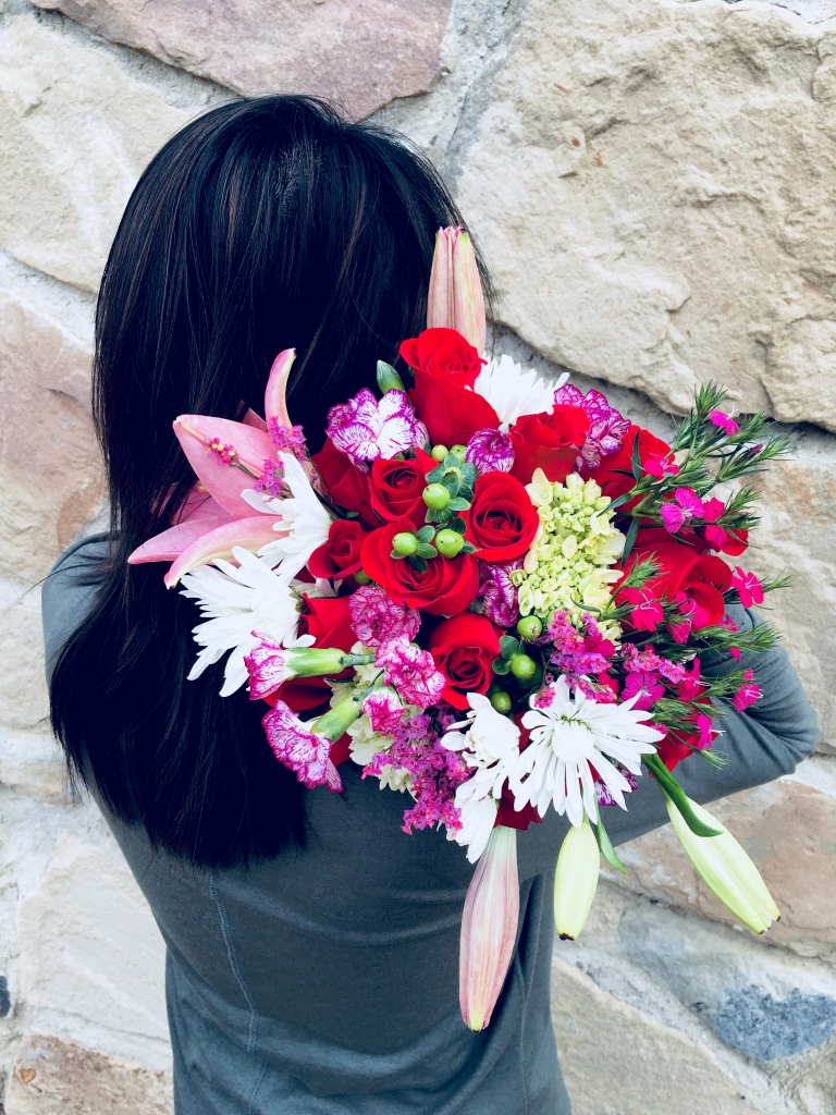 flower bouquet, hand-tied bouquet, modern