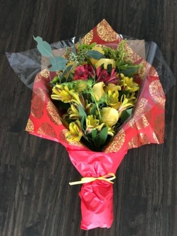 flower bouquet, hand-tied bouquet, modern, Chinese new year, lunar new year