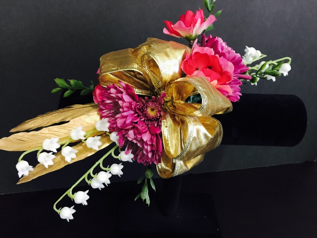 boutonnieres, corsages, prom, homecoming, wedding