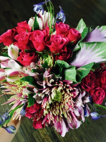 flower bouquet, hand-tied bouquet, modern, bold colored